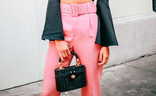 traje rosa de Zara
